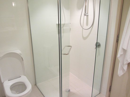 "SKYCITY Grand Hotel: ""Back to front"" shower door"