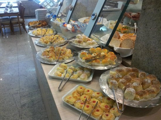 Hotel Regina: Break fast buffed - Cafe da Manha - Desayuno = Super