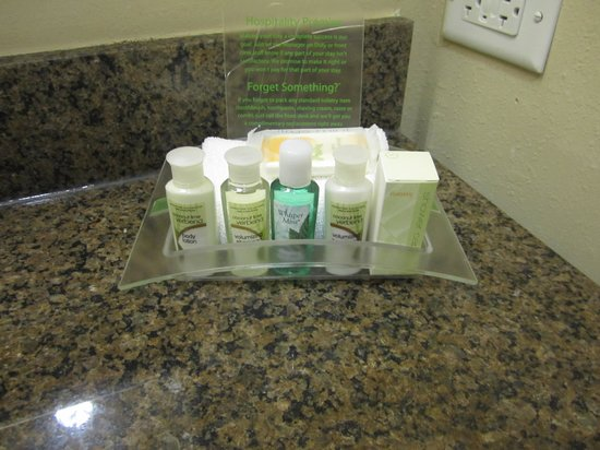 Holiday Inn Hotel & Suites Lake Charles W-Sulphur: Bath and Body Works!