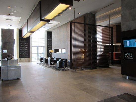 Hilton Garden Inn Santiago Airport : Foyer area