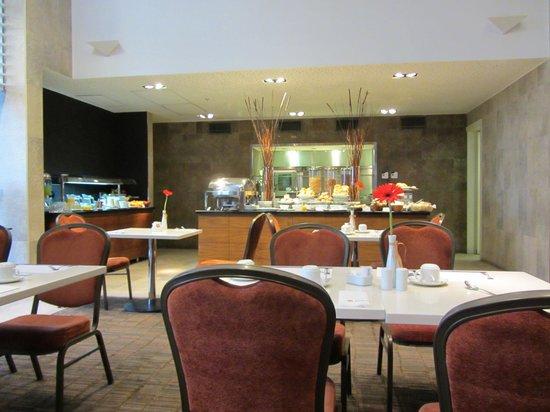 Hilton Garden Inn Santiago Airport : Breakfast Buffet