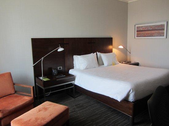 Hilton Garden Inn Santiago Airport : Comfortable bed