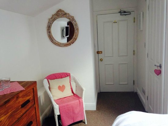 Linnett Hill: Bedroom with the Valentine's theme