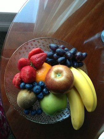 Radisson Blu St. Helen's Hotel, Dublin: the best/sweetest fruits I ever had
