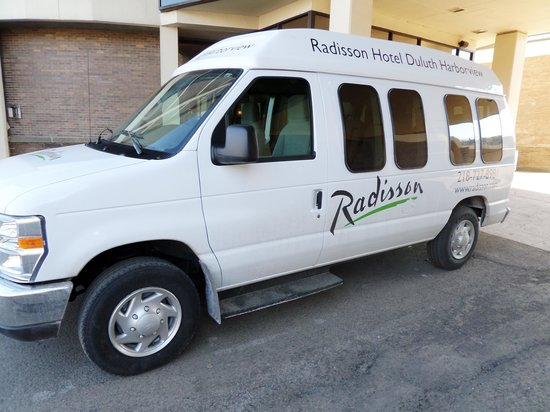 Radisson Hotel Duluth - Harborview: The Hotel Shuttle took us to the local attractions