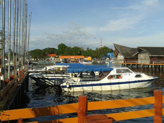 Dragon Inn Resort: the jetty