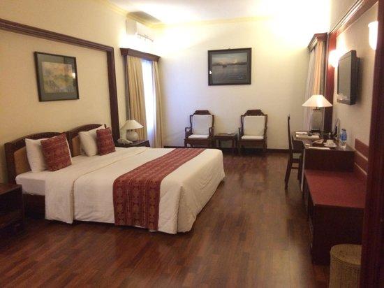 Royal Hotel Saigon ( Kimdo Hotel) : 3階の部屋でした バスタブつき