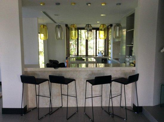 Gaya Island Resort : kitchen/ diner