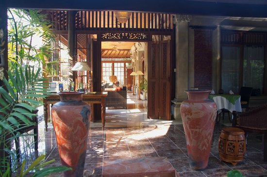 Taman Rahasia Tropical Sanctuary & Spa: Dining Room Entrance