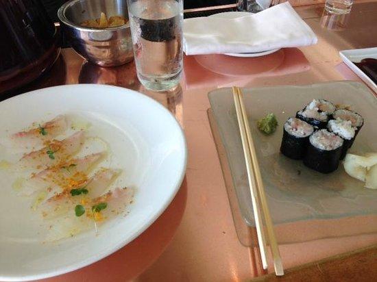 Casa del Mar: fresh sushi at the bar!