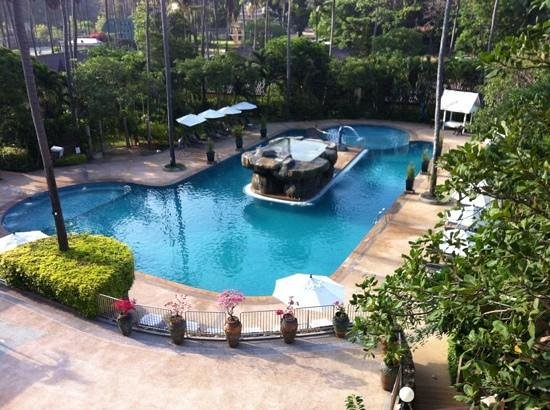 All Seasons Naiharn Phuket : Nice Pool