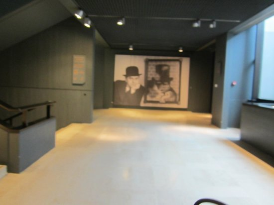 Musee Magritte Museum - Royal Museums of Fine Arts of Belgium: Adentro