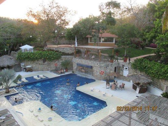 Binniguenda All Inclusive: pool area