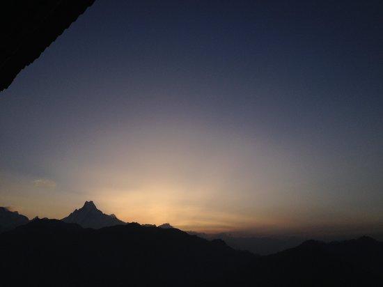 Nepamount Trekking: Sunrise at poon hill.