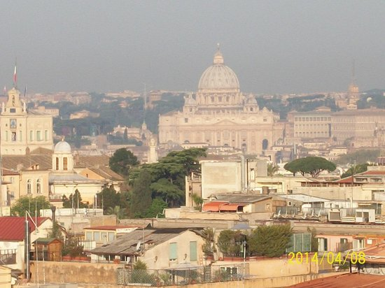Hotel Diana Roof Garden : The Vatican as seen from the garden terrace