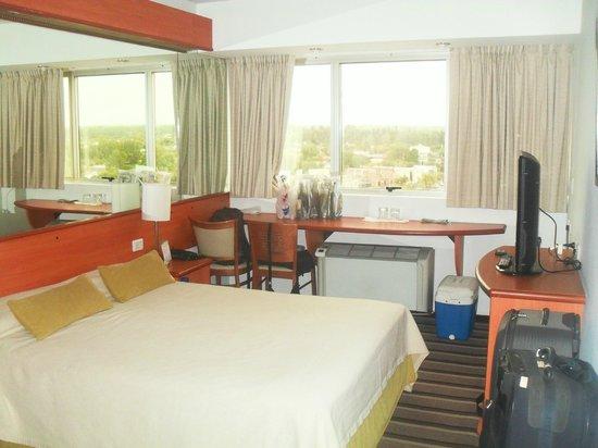 Tower Inn & Suites San Rafael: Habitación