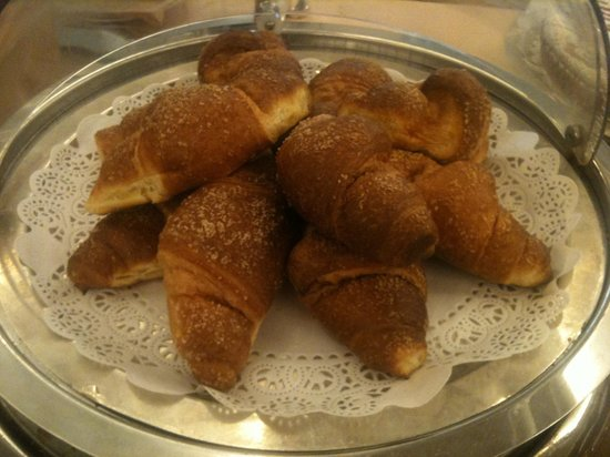 Ramada Naples: I love this rose-flavoured croissant too! Absolutely non-fattening :)