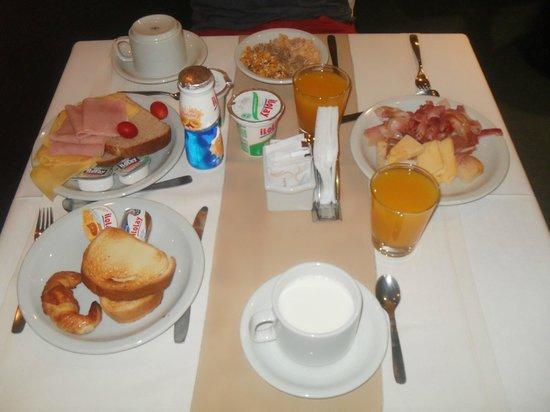 Tower Inn & Suites San Rafael : Desayuno