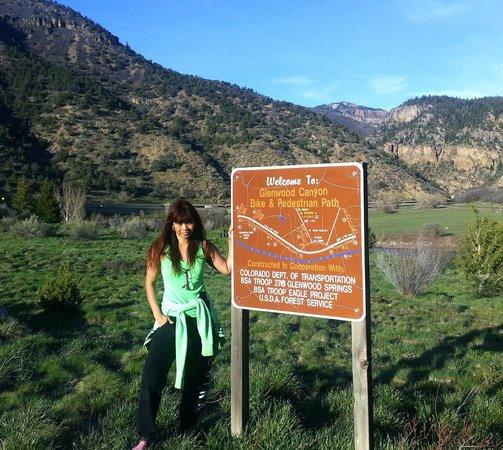 Glenwood Canyon Resort : at the bike/walk/run path