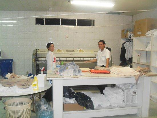 Tower Inn & Suites San Rafael: Lavadero