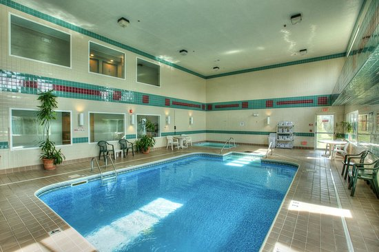 Sleep Inn : 24-HR Indoor Pool