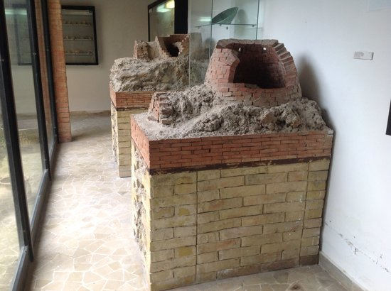 Sicily Tours & Taxi Taormina : Ancient Oven for Ceramic