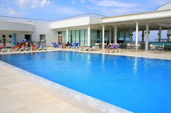 PrimaSol El Mehdi: la piscine supérieure