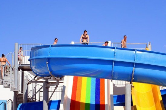 PrimaSol El Mehdi: jeu de piscine
