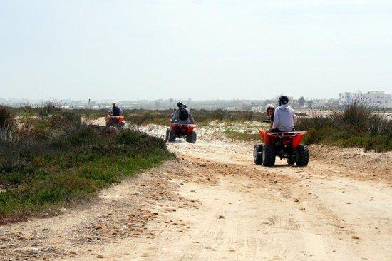 PrimaSol El Mehdi: excursion en quad dans les environs