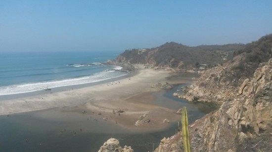 Parque Eco-Arqueológico de Bocana Copalita: Desde el mirador de la zona arqueológica.