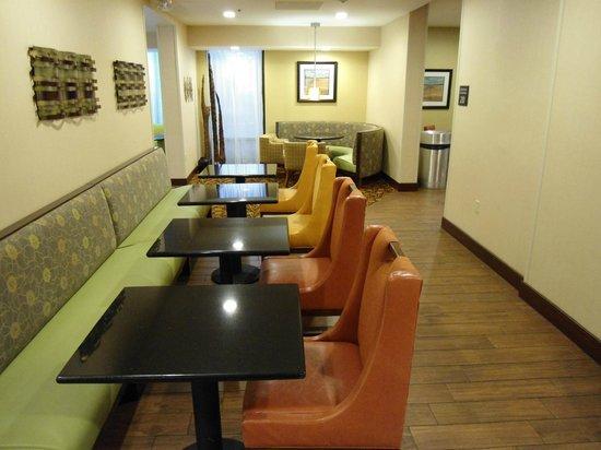 Hampton Inn Orlando Near Universal Blv / International Dr: dining room