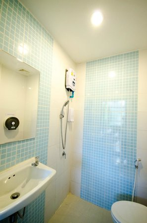 Moonlight Champa: Sparkling clean bathroom