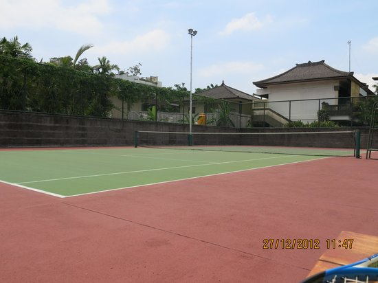 Rama Beach Resort and Villas : tennis courts