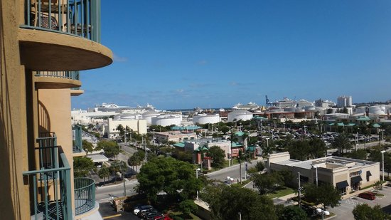 Embassy Suites by Hilton Fort Lauderdale 17th Street: Ships in port