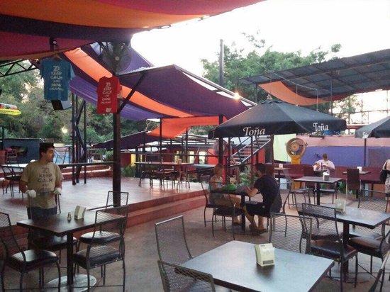 Zi Lounge Restaurant : Patio