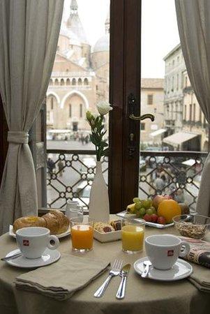 Belludi 37: Morgen mad på værelset