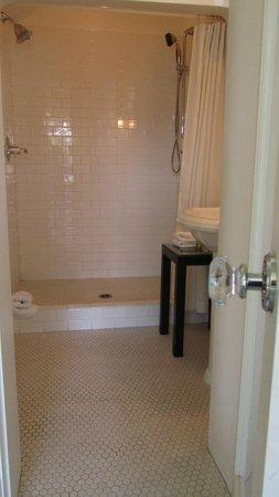 Fairholme Manor: The Fairholme Grand Suite (dual shower)