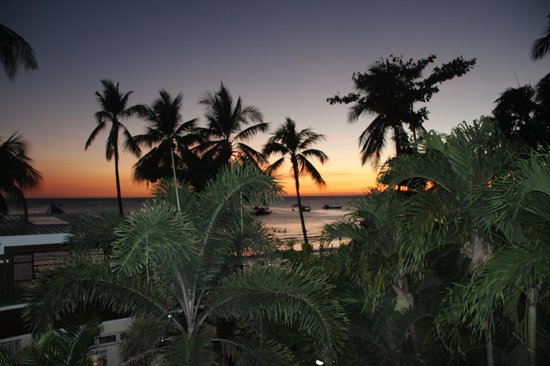 Jony's Beach Resort: Sunset view from Jonys Balcony