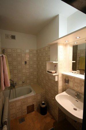 Hotel Sonnenhof: Badezimmer