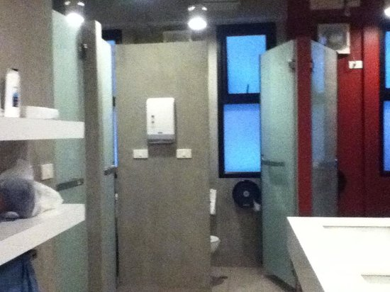 Lub d Bangkok Siam: clean, big, bright women;s bathroom