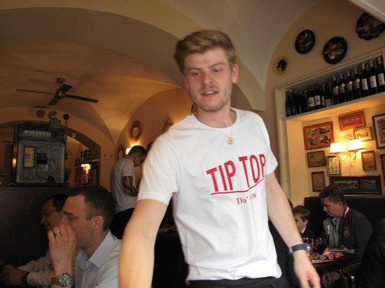 Le tip top: Der schnellste Kellner der Welt!