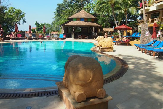 Vogue Resort & Spa Ao Nang: swimming pool