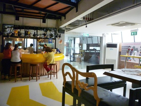 Lub d Bangkok Silom: common room