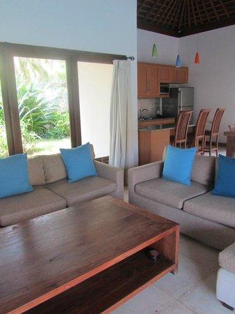 Kelapa Luxury Villas: old and worn furniture