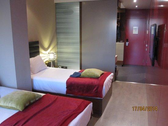 Olivia Plaza Hotel: Zimmer