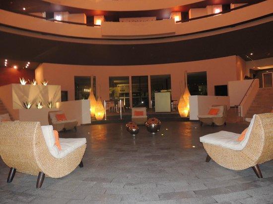 Krystal Grand Punta Cancun : Lobby