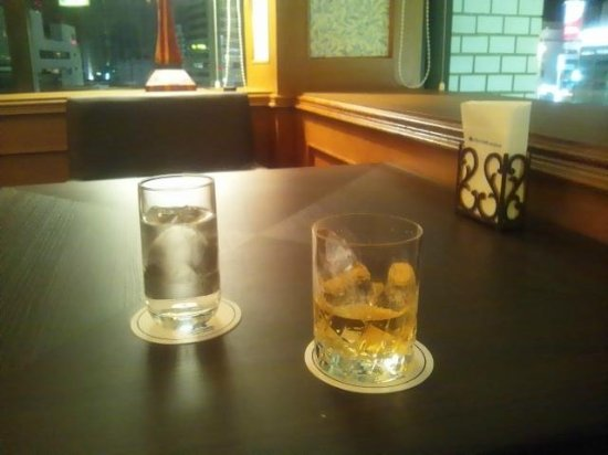 Kawasaki Nikko Hotel: バーラウンジで飲んだウィスキー