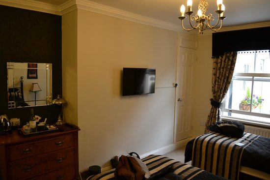 The Victorian Town House: Langley Room