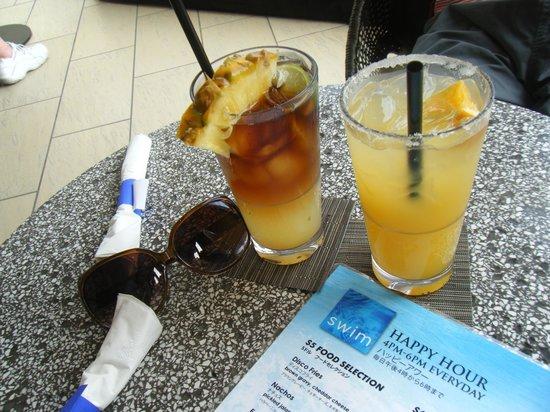 Hyatt Regency Waikiki Resort & Spa: Swim ハッピアワー