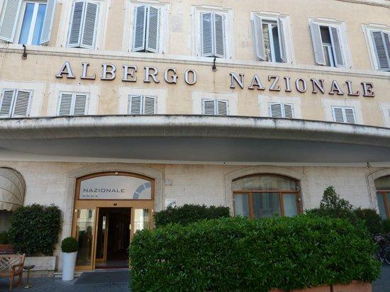 Hotel Nazionale : vue de la place